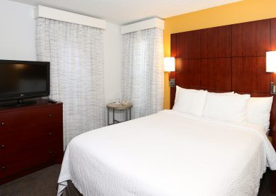 SenS Extended-Stay Residence Livermore Room